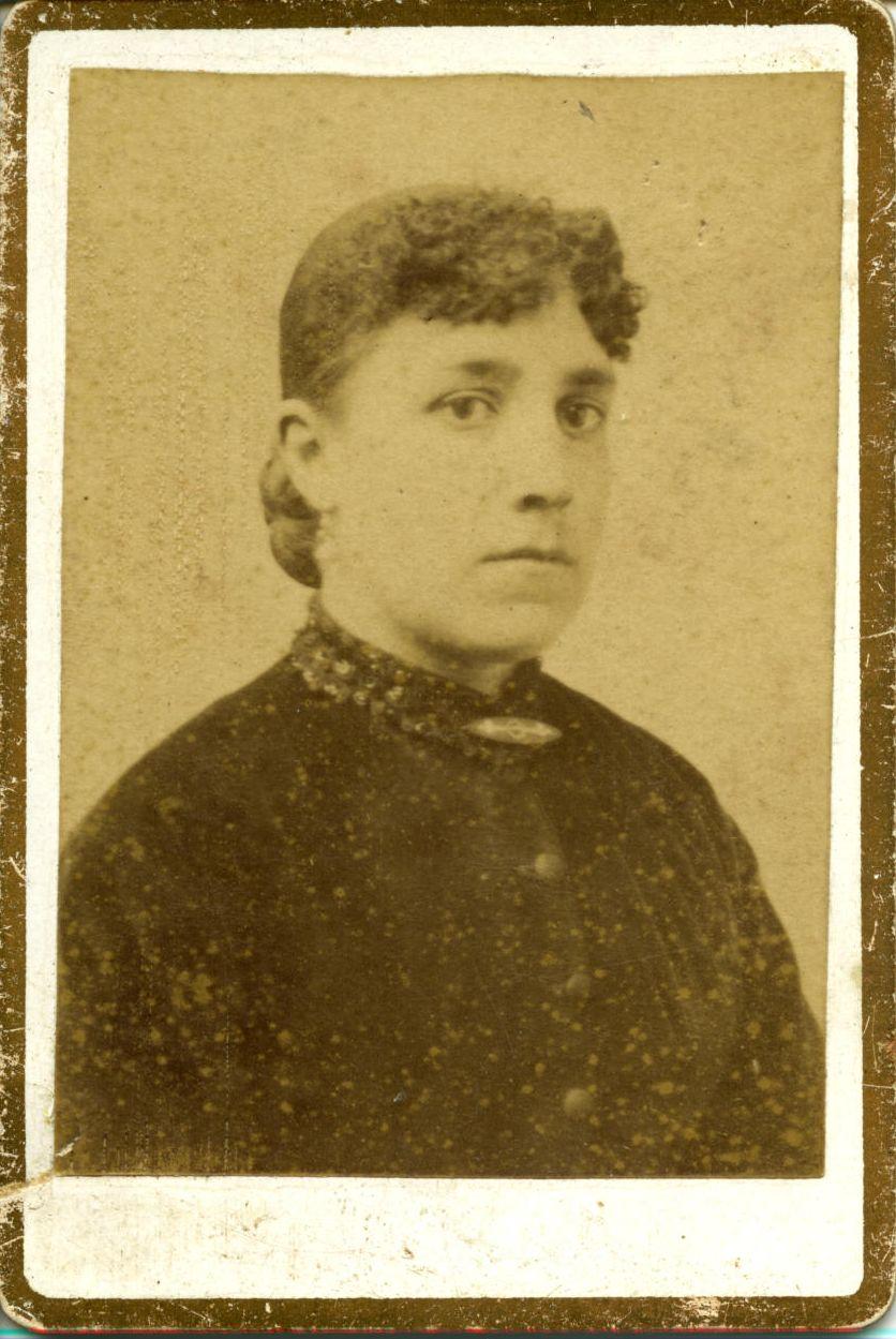 ñ.-Josefa Román Martínez, hermana del pintor*