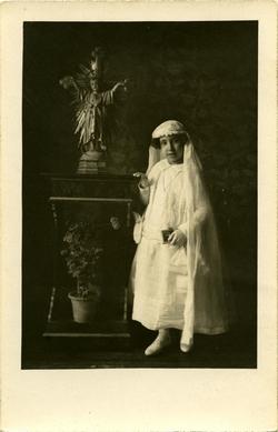 ze.-Hija del pintor de primera comunión 1925