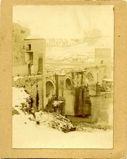v.-El Puente de San Martín nevado