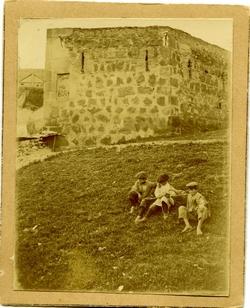 i.-Torre de las cinco esquinas en la Antequeruela