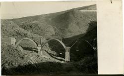 f.-Construcción del Puente de La Degollada
