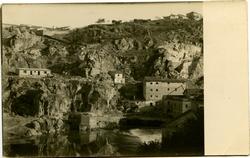 zñ.-El río a su paso por la Presa de Alcántara