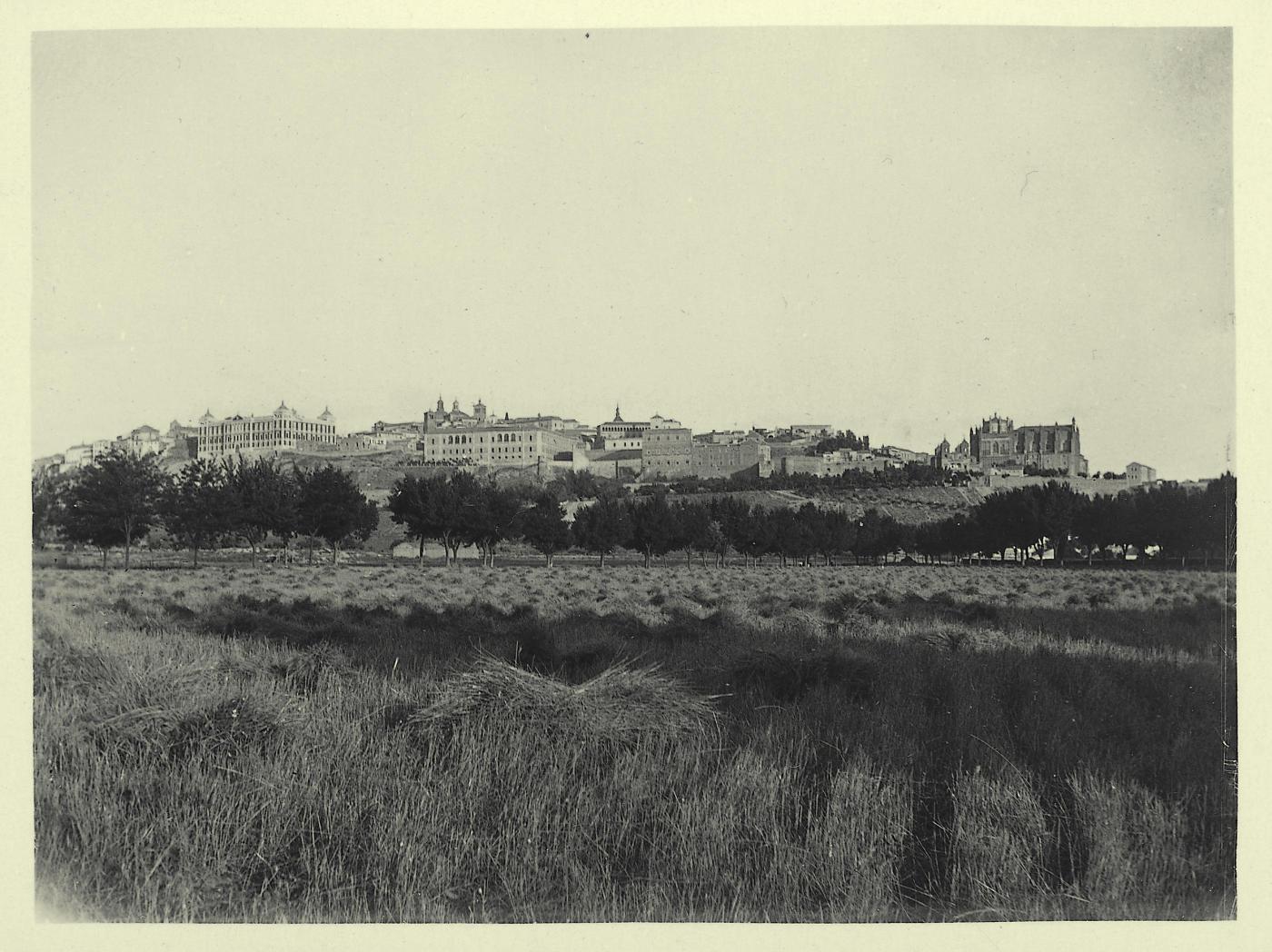 d.-Vista de la ciudad desde la Vega Baja