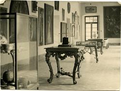 s.-Interior del Museo de Santa Cruz