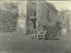 g.-Casa tapando la antigua Puerta de Alcántara (2-12-1909)