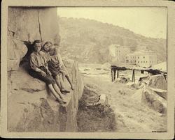 h.-Niños de los pescadores bajo el Puente de Alcántara
