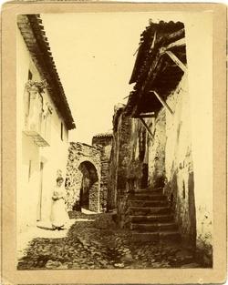 d.-Arco en la Subida al Castillo de Alcaraz(hoy inexistente)