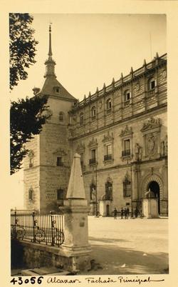 43056-Fachada principal del Alcázar