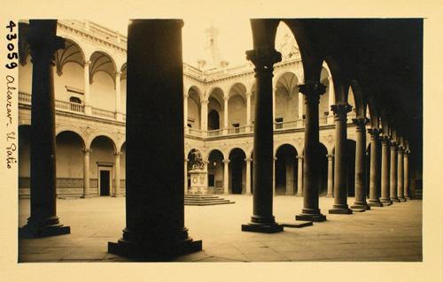 43059-Vista general del patio del Alcázar