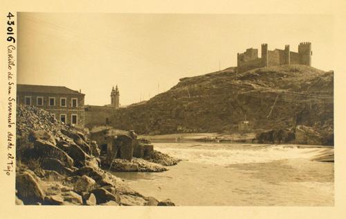 43016-Castillo de San Servando desde el Tajo