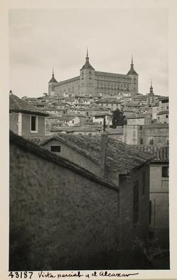 43187-Vista parcial de Toledo y el Alcázar