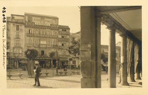 43048-Plaza de Zocodover desde el Arco de la Sangre