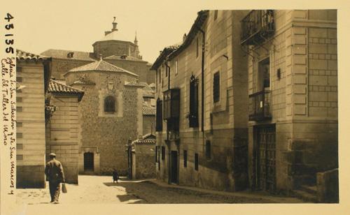 43135-Calle del Taller de Moro e iglesia de San Salvador