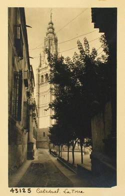 43125-Torre Mayor desde la subida al Ayuntamiento