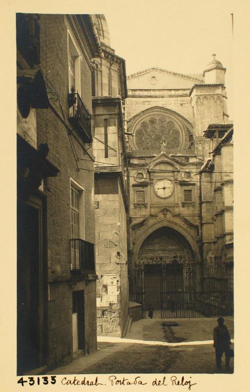 43133-Portada del Reloj con arco y esfera del siglo XVIII