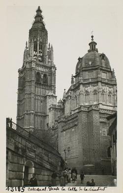 43185-Vista de la Catedral desde la calle de la Ciudad