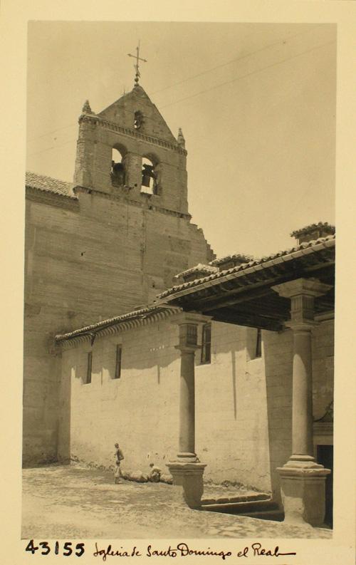 43155- S.D. Exterior del convento y espadaña de la iglesia
