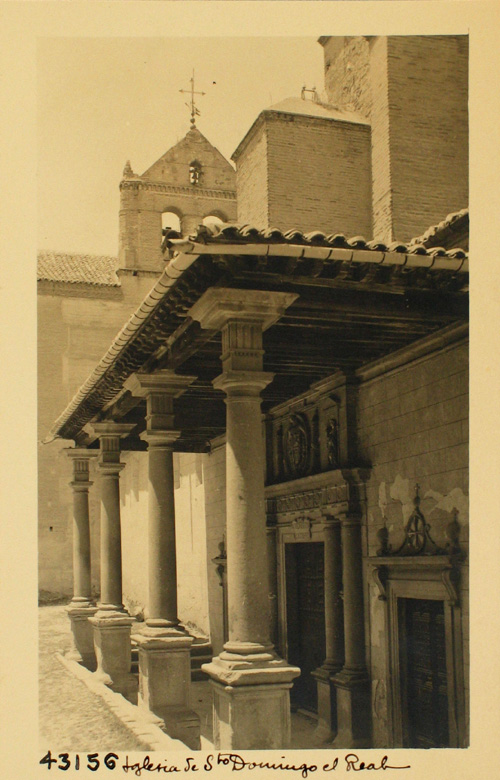 43156-S.D. Pórtico y puerta de entrada a la iglesia