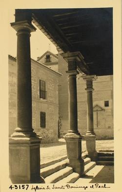 43157-S.D. Plaza de Santo Domingo desde el pórtico