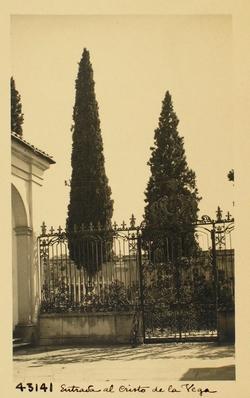 43141-C.V. Interior de la verja de entrada a la Ermita