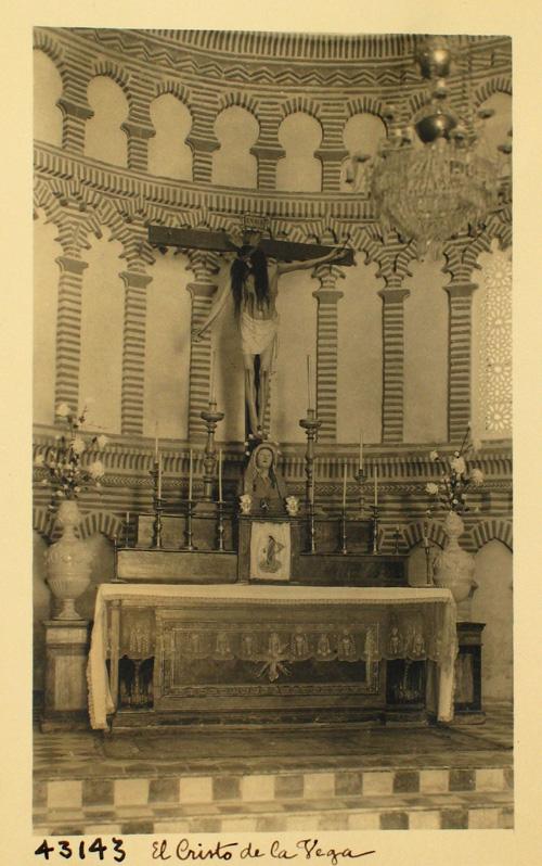 43143-C.V. Altar e imagen del Cristo de la Vega