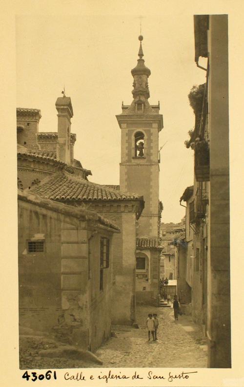 43061- Iglesia y calle de San Justo