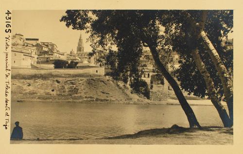 43165-Vista parcial de Toledo desde la orilla izda. del Tajo
