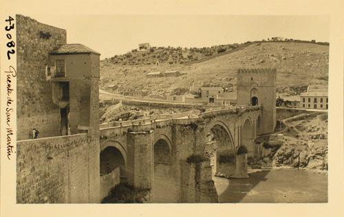 43082-Puente de San Martín desde la ciudad