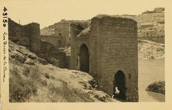 43150-Baño de la Cava y Puente de San Martín al fondo