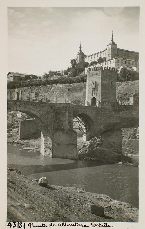 43181-Vista parcial del Puente de Alcántara y el Alcázar