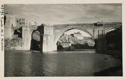 43191-S.M. Arco central y convento de Gilitos al fondo
