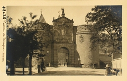 43025-Vista exterior de la Puerta de Bisagra