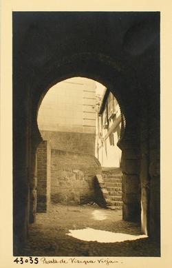 43035-Arco interior de la Puerta de Alfonso VI