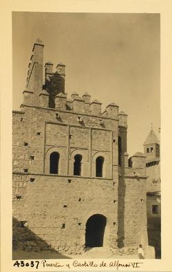 43037-Lienzo lateral de la Puerta interior de Alfonso VI
