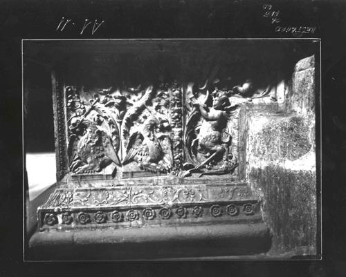 A1-11 Relieve de la base del altar de Santa Catalina