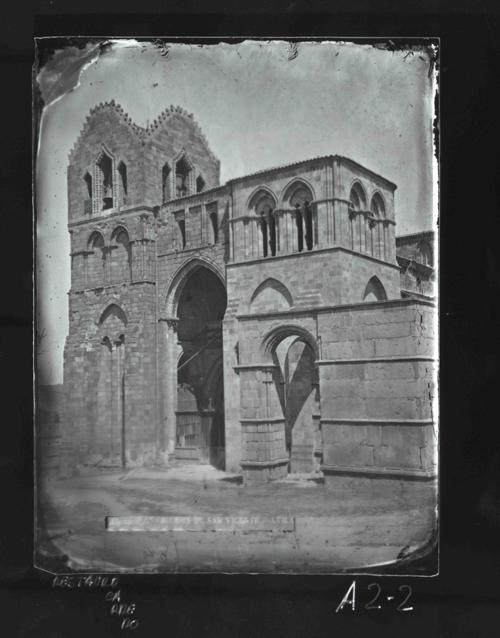 A2-2 Iglesia de San Vicente. Fachada principal