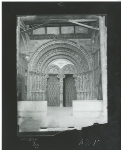 A2-10 Iglesia de San Vicente - Portada principal