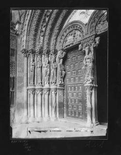 A2-1 Iglesia de San Vicente.Detalle de la portada principal
