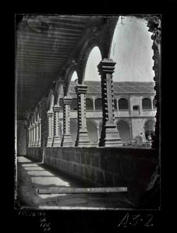 A3-2 Convento de Sto. Tomás - Una nave del claustro