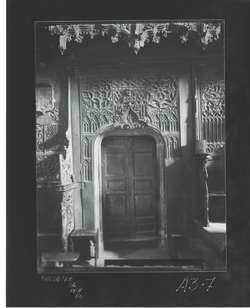 A3-7 Convento de Santo Tomás. Puerta en el coro