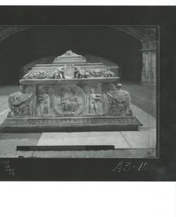 A3-10 Santo Tomás. Sepulcro de D. Juan, hijo de los RRCC.