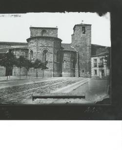 A4-3 Iglesia De San Pedro. Ábsides de la cabecera y torrre