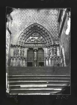 B1-3 Catedral. Puerta del Sarmental