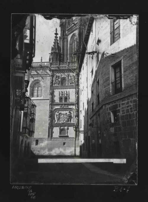 B1-7 Catedral. Muro exterior de la Capilla del Condestable
