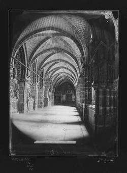 B1-8 Catedral. Claustro