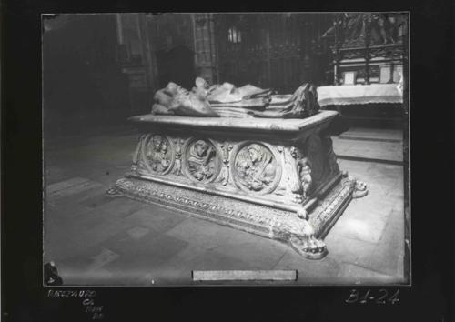 B1-24 Catedral. Sepulcro de Gonzalo Díez de Leyma (s.XVI)
