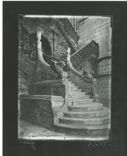 B1-38 Catedral. Escalera renacentista