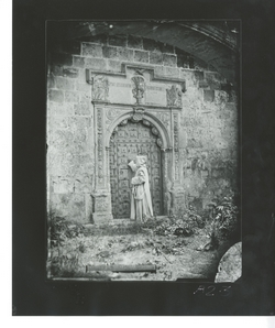 B2-3 Cartuja de Miraflores. Puerta acceso Capilla de Mujeres