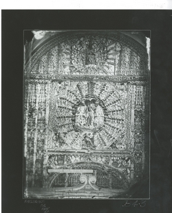 B4-3 Parroquia de San Nicolás. Coronación Virgen en Retablo