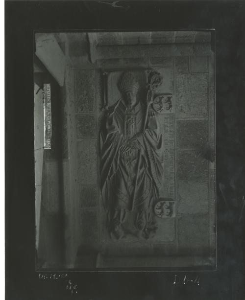 D1-4 Cat. Sepulcro del obispo Gonzalo Osorio